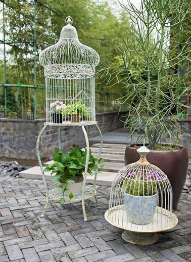 """""""Kafes"""" Şeklinde Standlı Çiçeklik-Warm Design"""